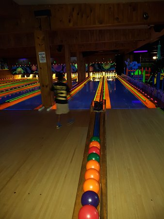 Bowling Lanes From Approach ibowl ca - Picture of ibowl ca
