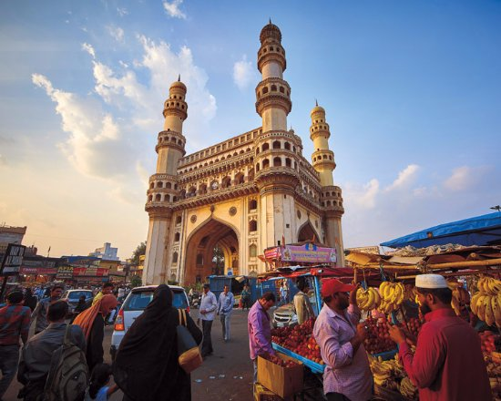 """Deccan Odyssey: Experience the bustle around Charminar in """"Jewels of Deccan"""" journey"""