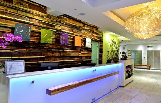 Hotel Verde Cape Town International Airport : Reception desk