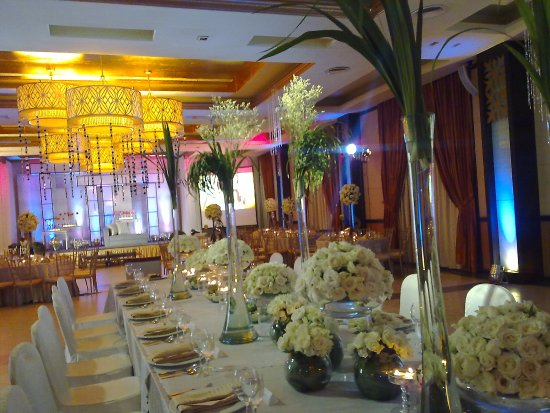 The Avenue Plaza Hotel : Wedding setup at Avenue Convention Plaza