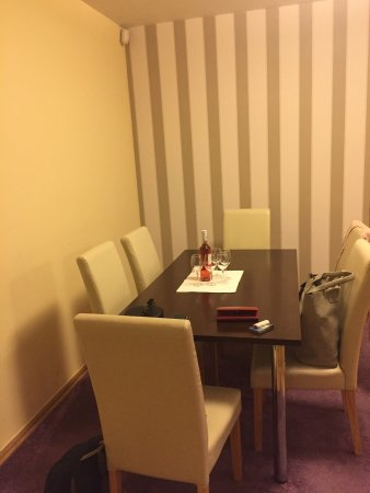 Trendy Deluxe Apartments: Very nice double room appartement, fully equipped, in the centre of the city. Great service.