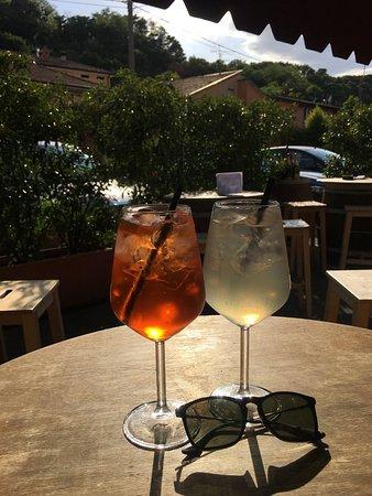 Province of Brescia, Italia: Spritz e gin lemon