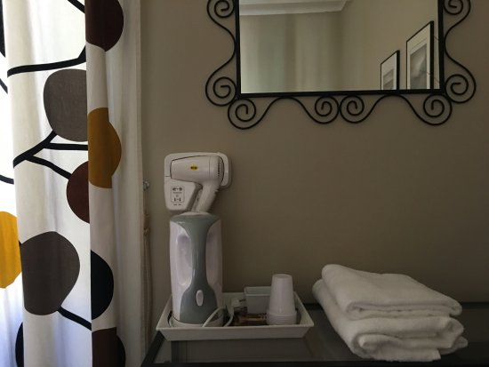 Calisto 6 Bed & Breakfast: Detalles de lo incluido en la habitación
