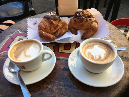 Calisto 6 Bed & Breakfast: Desayuno incluido