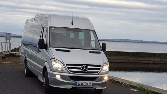 Mercedes Sprinter 16 seater, leather seats, usb connections