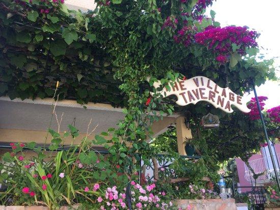The Village Taverna : photo0.jpg
