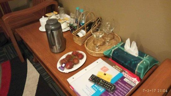 Cinderella Hotel: received_969570949849533_large.jpg
