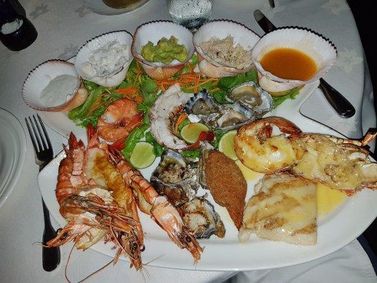 Tamarind Restaurant: Mixed seafood
