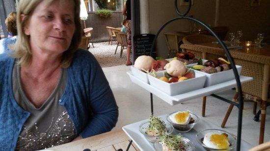 Mazan, França: Ook de desserten zijn er overheerlijk !