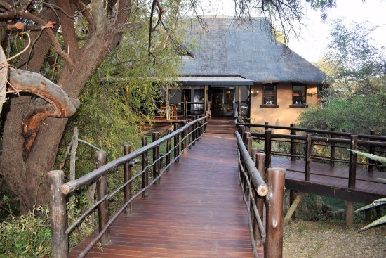 Madikwe River Lodge: Main Lodge Entrance