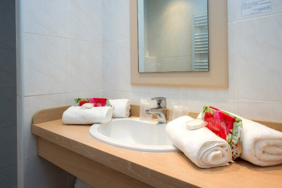 Club decouverte vacanciel menton updated 2018 prices - Hotels in menton with swimming pool ...