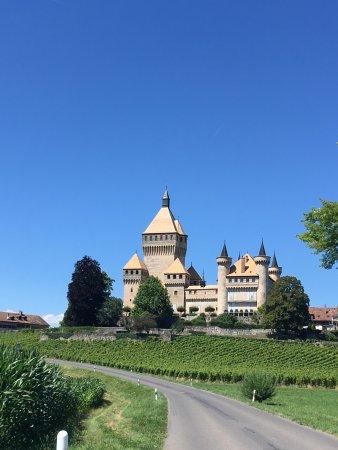 Vufflens-le-Château, Suiza: photo0.jpg