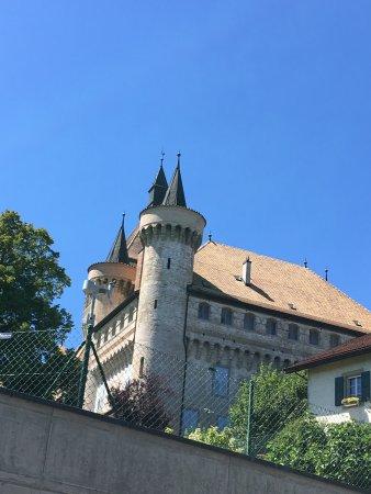 Vufflens-le-Chateau, Switzerland: photo2.jpg