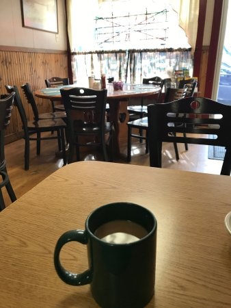 Schroon Lake, Нью-Йорк: Cup of coffee on a lazy morning