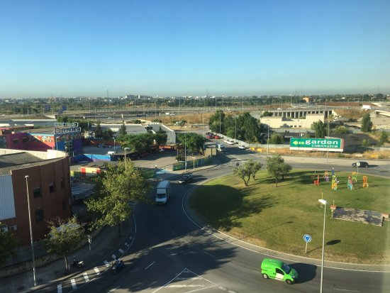 Campanile Barcelona Sud Cornella Hotel : View facing street, roundabout and highway