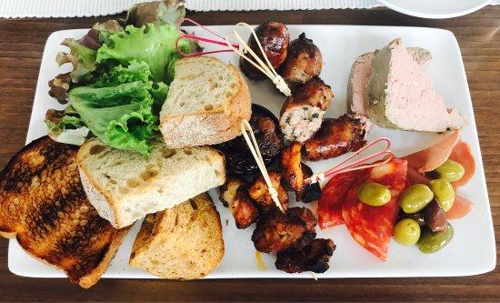The Millstone Bar Restaurant: photo0.jpg