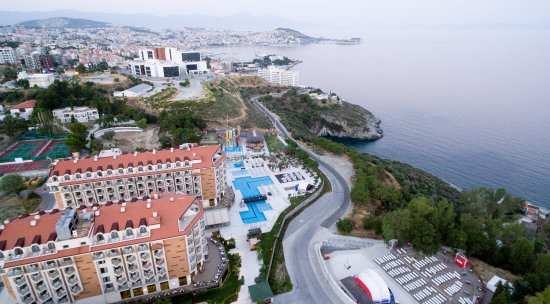 Ramada Resort Kusadasi & Golf Hotel