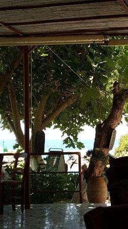 Griechische Taverne an einer der schönsten Buchten Kretas