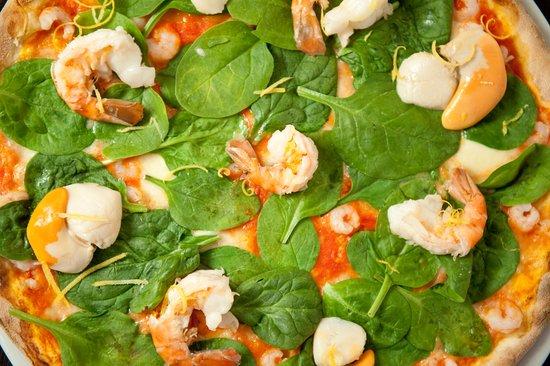 La Favorita Pizzeria : come and try our delicious Pizza!!