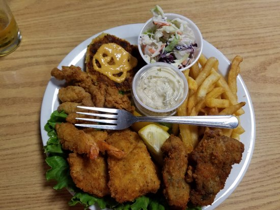 Bay City, OR: Seafood Platter
