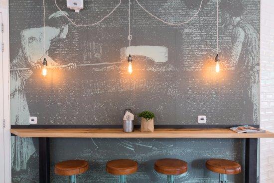 Verse koffie bonen - Picture of Toasted & Roasted, Breda - TripAdvisor