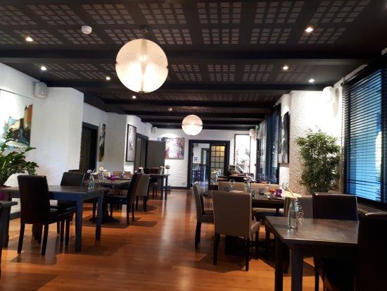 Hotel la Fontaine : 20170704_191218_large.jpg