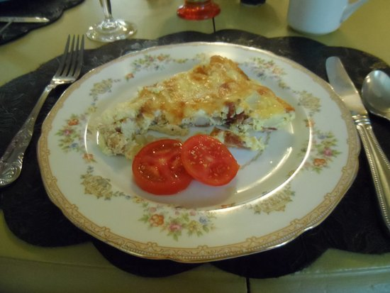 Captain Stannard House Bed and Breakfast Country Inn: Frittata