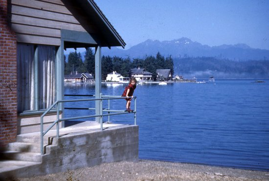 Union, WA: Alderbrook Canal Front Cottage/my sister mid 1940's