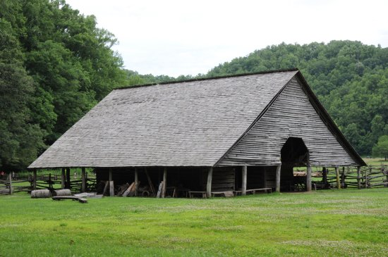 Mountain Farm Museum: The recreated barn