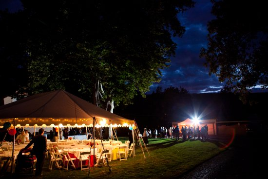 Nine Trees Inn: Our grounds offer lots of room for YOUR special events!