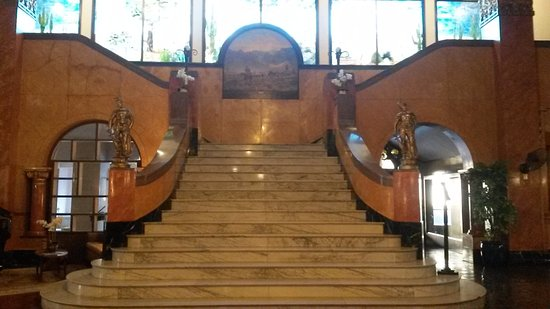 Douglas, AZ: grand staircase in lobby