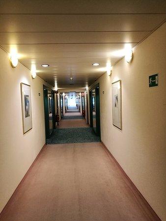 Voesendorf, Oostenrijk: The corridor with doors