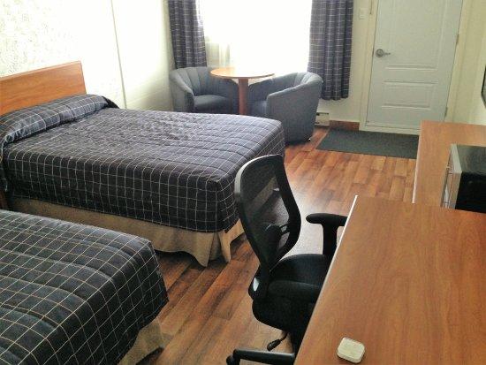 Motel Hauterive: Super bel hôtel, très propre, beaucoup de rénovations ont été faites.
