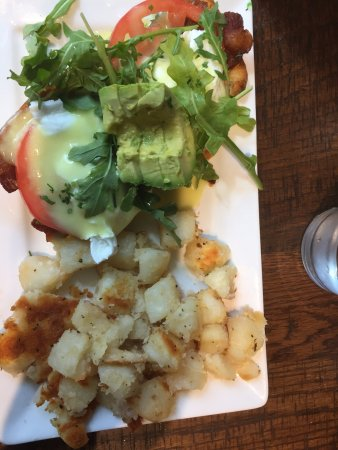 Hermitage, TN: Eggs Benedict - BLT