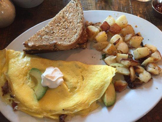 Hermitage, TN: Bacado Omelet