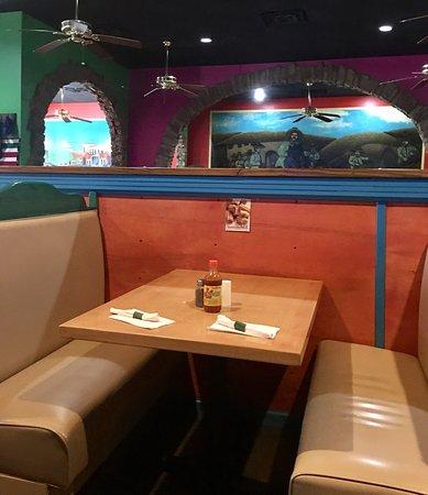 Oakland, Теннесси: El Nopal Mexican Restaurant