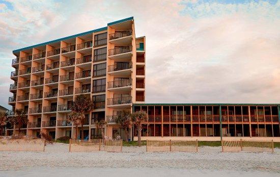 oceanfront litchfield inn updated 2017 hotel reviews. Black Bedroom Furniture Sets. Home Design Ideas