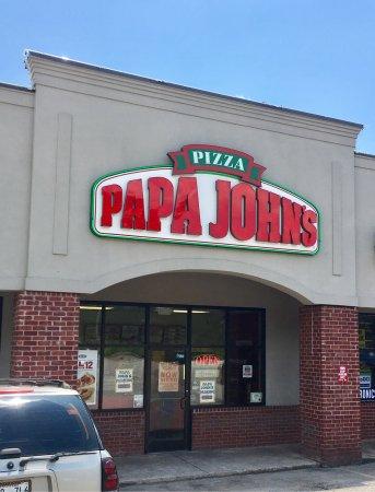 Atoka, TN: Papa John's