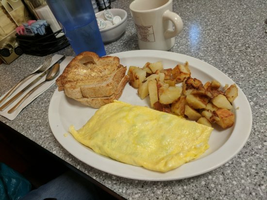 Tamworth, NH: Sausage and Cheese Omelete