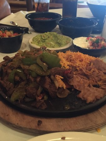 Joe T Garcia's Mexican Restaurant: photo0.jpg