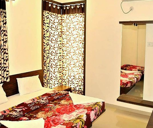 Hotel Mayank Residency: Guest Room