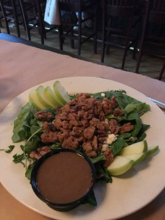 Saugatuck, MI: Nutty Salad