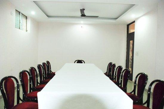 Hotel Mayank Residency: Dinning Area