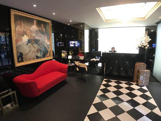 la villa haussmann picture of la villa haussmann paris. Black Bedroom Furniture Sets. Home Design Ideas