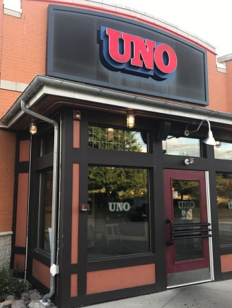 UNO Chicago Grill: photo0.jpg