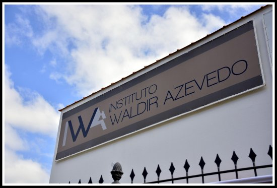 ‪Instituto Waldir Azevedo‬