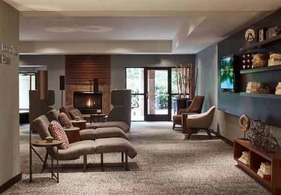 courtyard portland southeast clackamas updated 2017. Black Bedroom Furniture Sets. Home Design Ideas