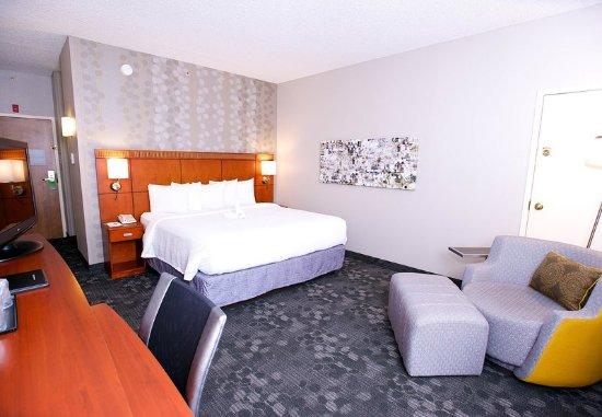 Bedford, تكساس: King Guest Room