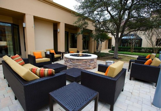 Bedford, تكساس: Outdoor Patio