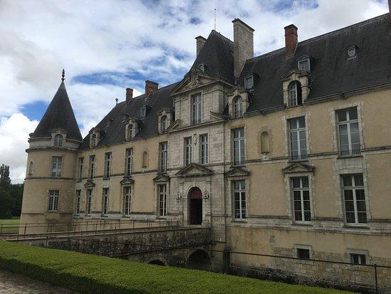 Augerville-la-Riviere, فرنسا: Un château authentique.